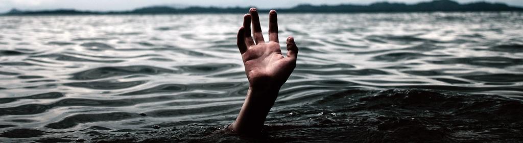 drowning-hand